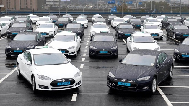 Tesla Electric car Model S 2016